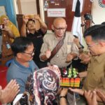 Wawako Erwin Yunas,Dapat Kue Ulang Tahun Dari Awak Media